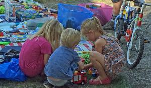 Kinder auf Trödelmarkt des Bultfestes 2019