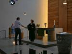 Sascha Halbe wird in den Kirchenvorstand der Melanchthon Gemeinde eingeführt.